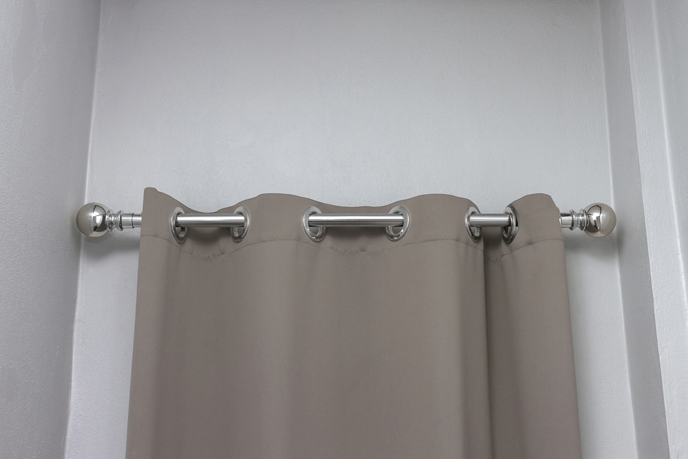 how to remove rust from shower curtain rod. Black Bedroom Furniture Sets. Home Design Ideas